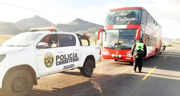 Bus quedo intervenido tras accidente de tránsito.