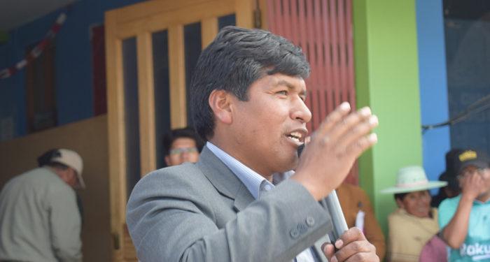 Elmer Rolando Callini Chura, alcalde del distrito aymara de Pilcuyo.