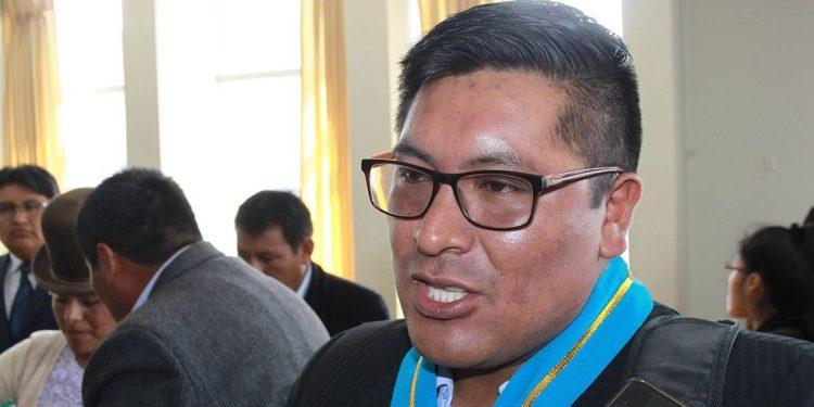Pedido de consejero no fue agendado por el presidente del concejo regional.