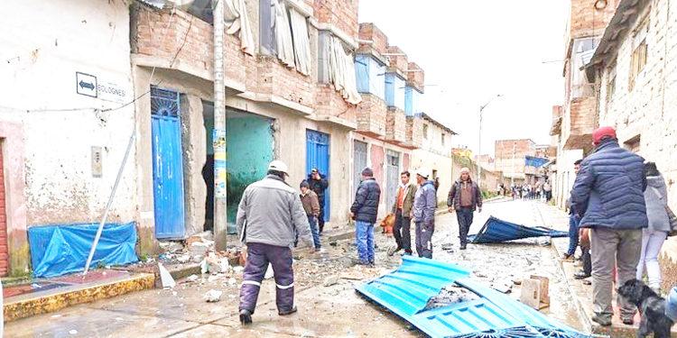 Tras la explosión la puerta y las ventanas quedaron destrozadas.