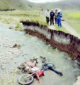 Motociclista falleció de camino a casa.