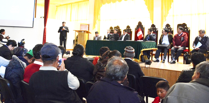 Autoridades de Puno en coordinación son los pobladores y dirigentes de Tarata - Tacna.