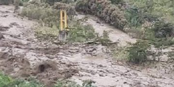 Tres puentes fueron arrastrados por el aluvión.