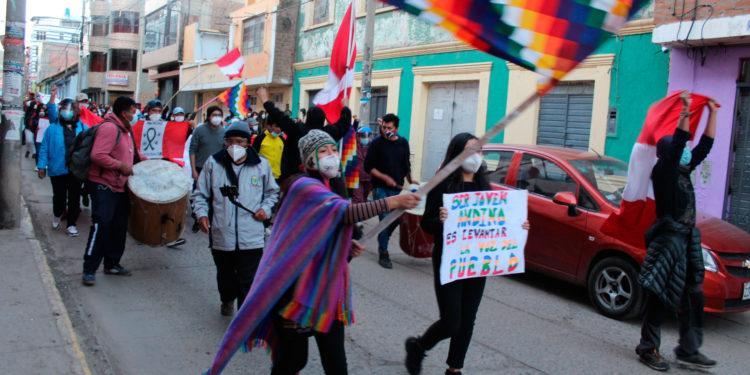 Puneños seguirán en las calles hasta lograr asamblea constituyente