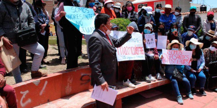 Asesor legal de los postulantes perjudicados interpone medida cautelar