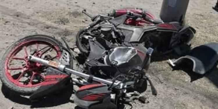 Joven colisionó con su moto lineal