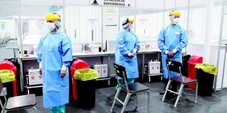575 vacunas contra la COVID-19 todavía no se aplicó al personal de salud en Arequipa