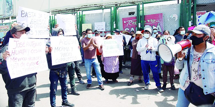 Empresas de la ruta Arequipa-Juliaca quieren que los repongan en terminal