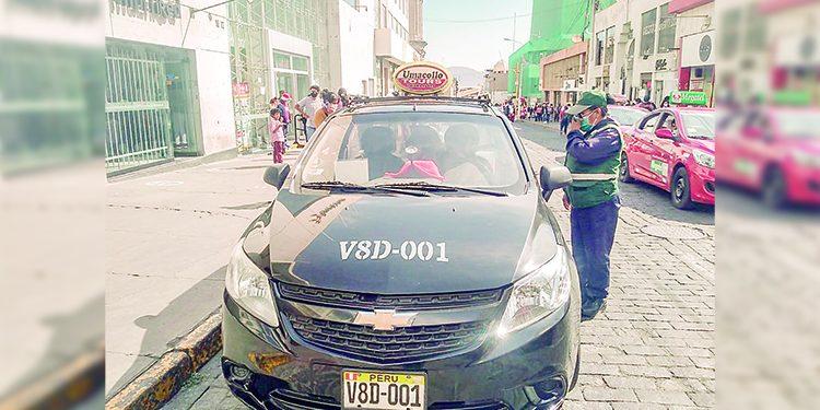 MPA ya no retirará placas a informales tras llegar a un acuerdo con dirigentes de taxis