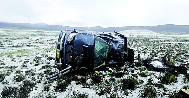 Tres niños quedan en orfandad tras muerte de su madre en la vía Espninar-Arequipa