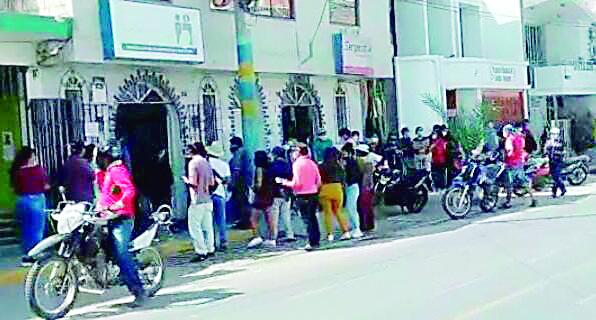 Ciudadanos solicitan al Reniec Camaná mejorar su atención para el recojo de DNI