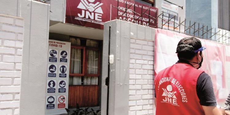 Hay 33 candidatos al Congreso por Arequipa con errores en sus hojas de vida