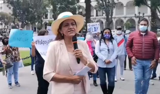 """Neldy Mendoza pide disculpas a las peruanas por decir """"abuelas terroristas"""""""