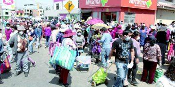 Arequipa: Comerciantes esperan salir de la crisis económica en este Día de la Madre