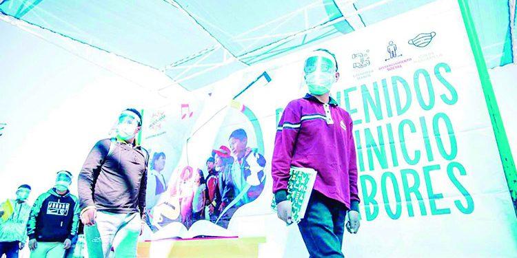 Gobierno Regional de Arequipa busca que 500 colegios reabran aulas a los alumnos