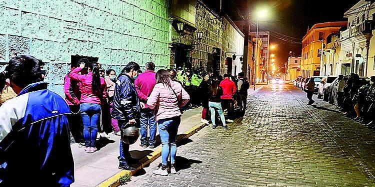 Intervienen a más de cien personas que participaban en fiesta Covid en Arequipa