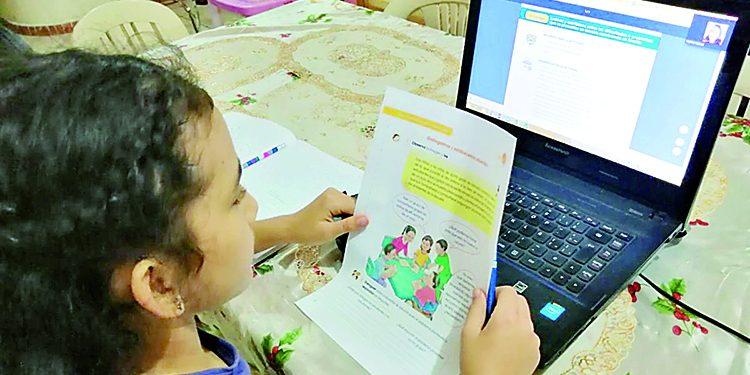Minedu anuncia que educación virtual continuará hasta después de la pandemia