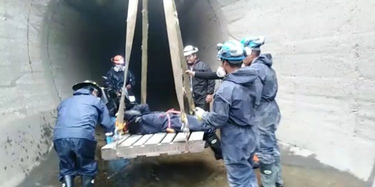 Obreros salvan de morir tras inhalar gases tóxicos al reparar túnel de Majes Siguas I
