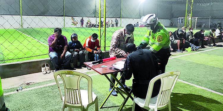 Arequipa: 100 personas fueron detenidas por transgredir toque de queda en Majes