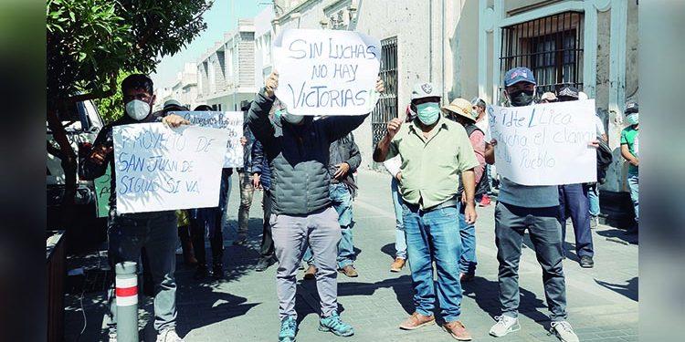 Alcalde y pobladores de Siguas reclaman como suyos terrenos de Autodema