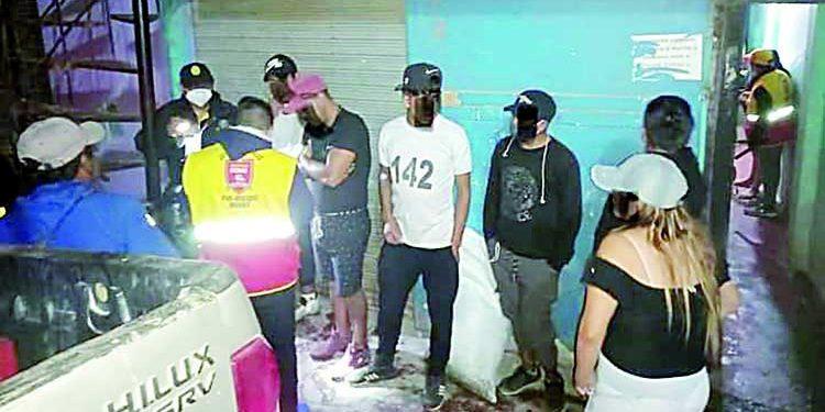 Clausuran bar que favorecía a la prostitución en asiento minero de Secocha