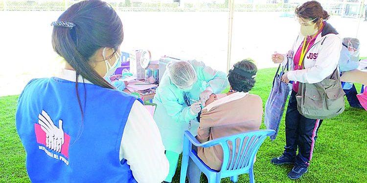 Defensoría del Pueblo exhorta a municipios apoyar campaña de vacunación en Arequipa