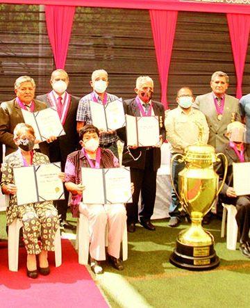 El orgullo dorado de Arequipa Se recordó a campeones del FBC Melgar 1971 1
