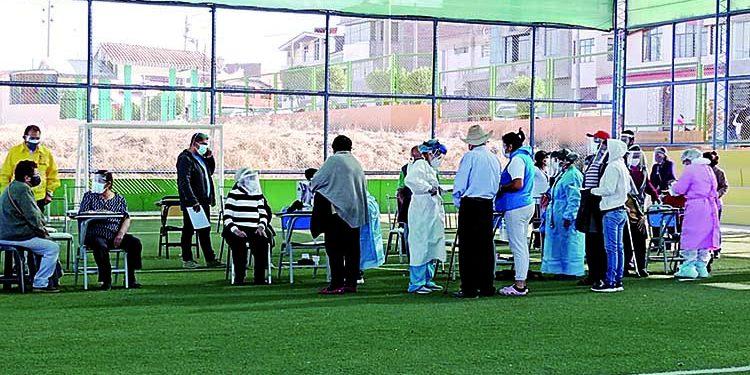 Hoy se retoma vacunación contra Covid a mayores de 80 años en Arequipa