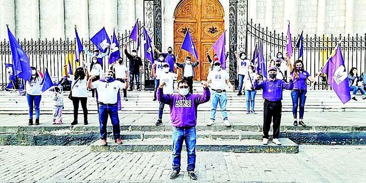 Partido Morado se quiebra en Arequipa tras la renuncia de 86 de sus militantes