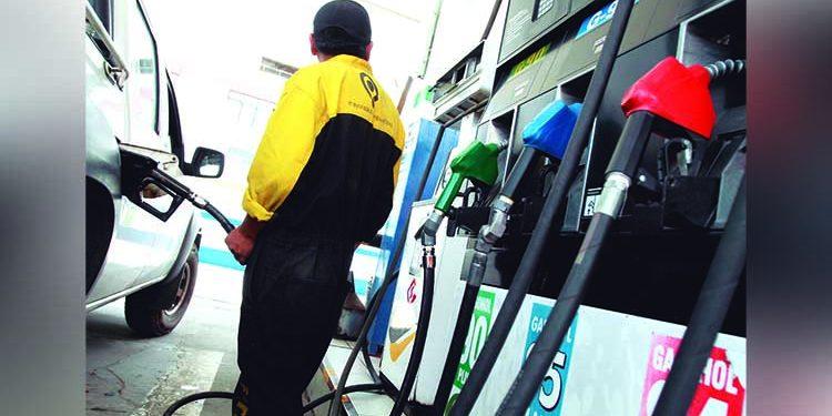 Transportistas arequipeños afectados por el alza en el precio de combustibles