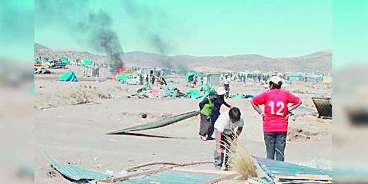 Arequipa: Batalla campal por pugna de terrenos en 'Los Bloqueteros' de Majes