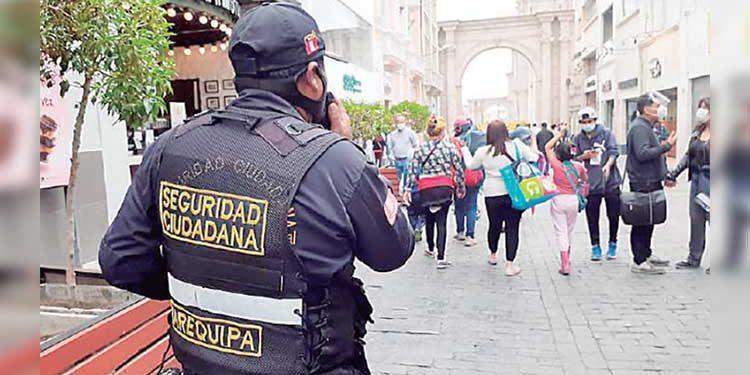 Integrarán a 30 policías municipales para controlar ambulantes en Cercado Arequipa