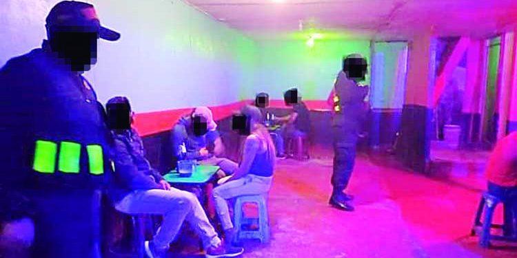 Camaná: Intervienen a ciudadanos y clausuran bar en asiento minero Secocha
