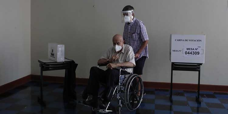 Mayores de 65 podrán presentar dispensas por no votar por miedo al contagio de Covid