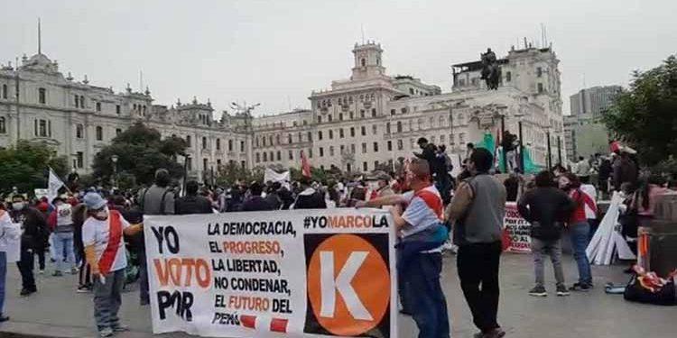 """Promotores de marchas: """"Usen palabras como democracia o libertad, No Keiko; ella no vende"""""""