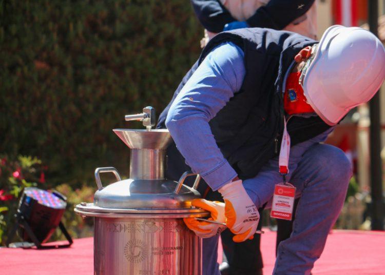 Autoridades guardarán cápsula del tiempo por el bicentenario del Perú