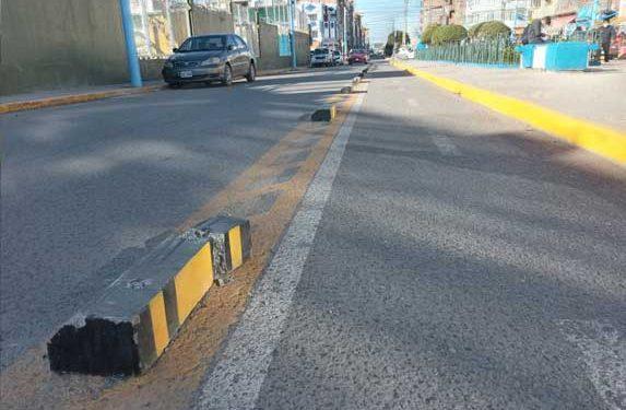 Conductores destruyen topellantas en ciclovías que fue instaladas recientemente
