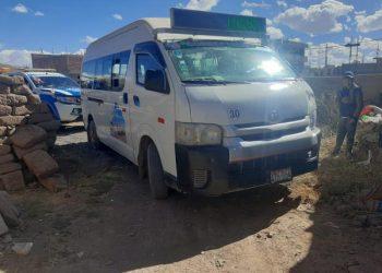 Vehículo que prestaba servicio urbano atropella a dos hermanos en Juliaca