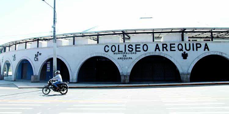 Contraloría halla irregularidades en obra de Coliseo Arequipa y en alquiler de campos deportivos de Hunter
