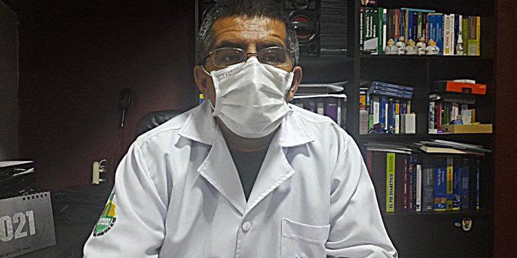 """Decano del Colegio Médico: """"faltó claridad en la estrategia para el sector salud"""""""