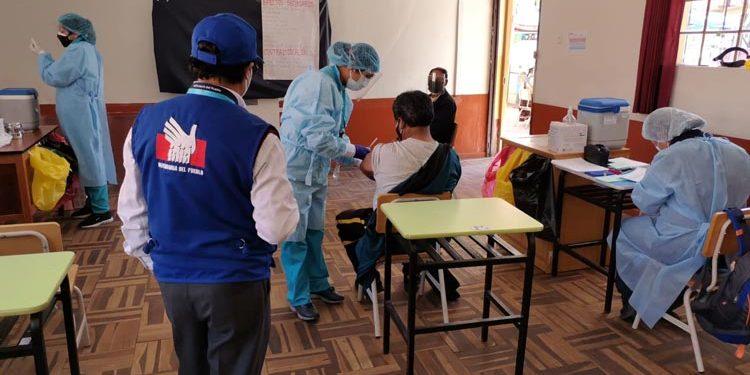 Defensoría del Pueblo sugiere mejorar estrategias de vacunación y ampliar cobertura