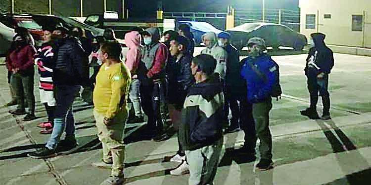 Intervienen a 33 varones en búsqueda de sujeto que acuchilló a joven en Secocha