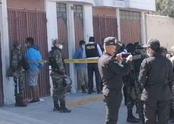 Sujetos secuestran a mujer, y atropellan a tres personas durante persecución policial
