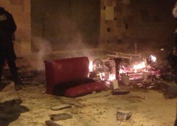 Juliaca: Cansados de la inseguridad vecinos de la urbanización Taparachi quemaron cantina clandestina