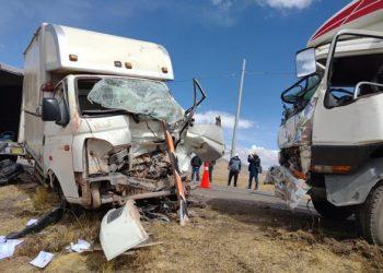 Choque entre camiones de carga dejó como saldo dos personas y un ovino herido