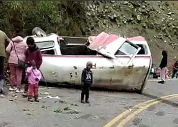 Choque dejo varios heridos y dos fallecidos en la vía Isvilla - Ollachea