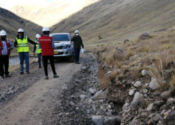 Alertan incumplimiento de especificaciones técnicas en mantenimiento de caminos