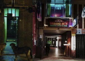 Intervienen casi un centenar de jóvenes en discotecas que pasaban por bar y pizzería