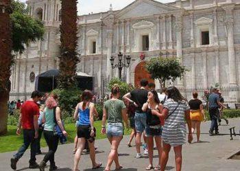 Arequipa: La vacunación contra la covid-19 favorece la reactivación del sector turismo