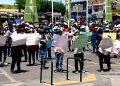 Arequipa: Padres de familia protestan por retraso en mejora de dos colegios de Majes